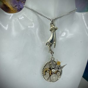 Finger's touch Steampunk Necklace