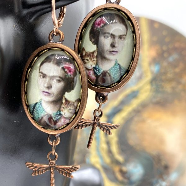 Frida earrings with dragonfly