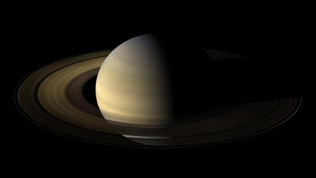 23 fotos em alta definição de Saturno
