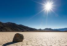 Racetrack Playa, en el Valle de la Muerte ( Death Valley National Park), California (jamesdvdsn / Getty)