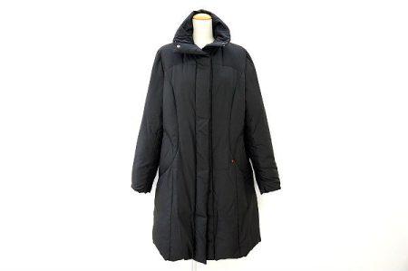洗練されたシルエットのピッコーネのコートを買い取りました