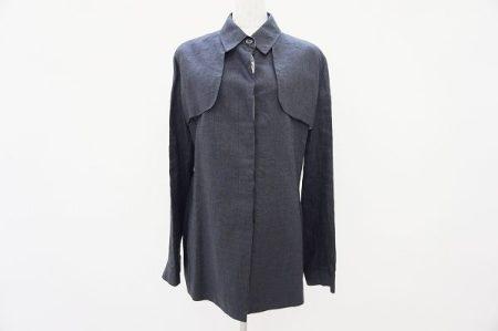 シックで上品なアルマーニコレッツォーニのジャケットをお買取いたしました