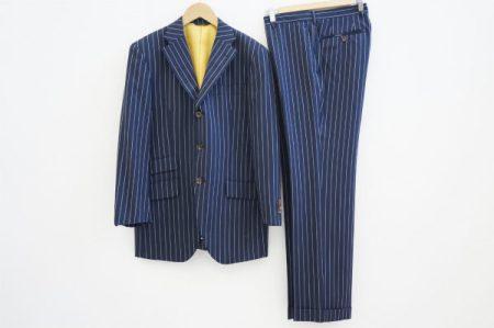 大人の男性の品格をスマートに上げる、麻布テーラーのスーツを買取いたしました