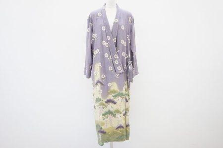 繊細な色味と日本柄で着物のようなワンダフルワールドの羽織りを買取いたしました