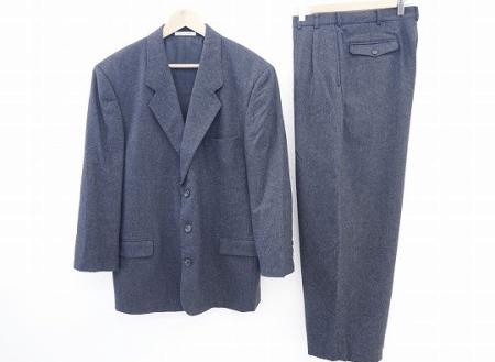 柔らかくスタイリッシュなパパスのシングルスーツ