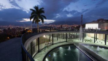 Cómo hizo Medellín para urbanizar las villas y ser un modelo para la región
