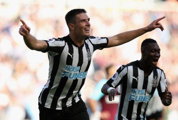 Newcastle hammer West Ham, as Swansea grab first PL win