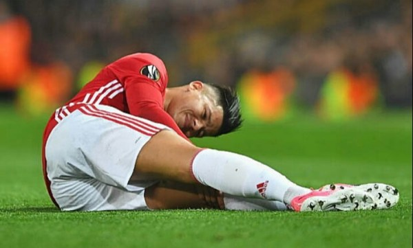Marcos Rojo pictured back in United training