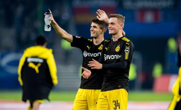 Bundesliga: Borussia Dortmund in historic win at Hamburg