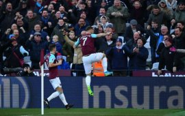 Premier League: Arnautovic the difference, as West Ham down toothless Chelsea