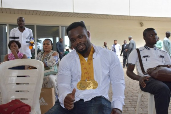 Powerlifting: Becoming a World Powerlifting Champion by Kehinde