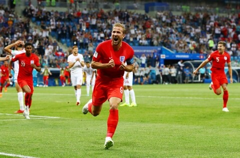 Russia 2018: Harry Kane shines in dramatic England win