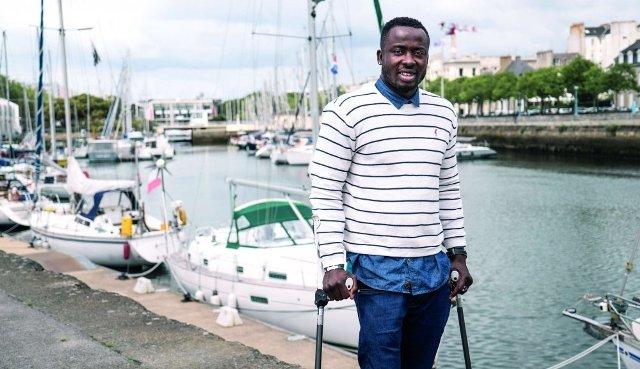 Former Togo goalkeeper Obilalé receives CAF aid at last