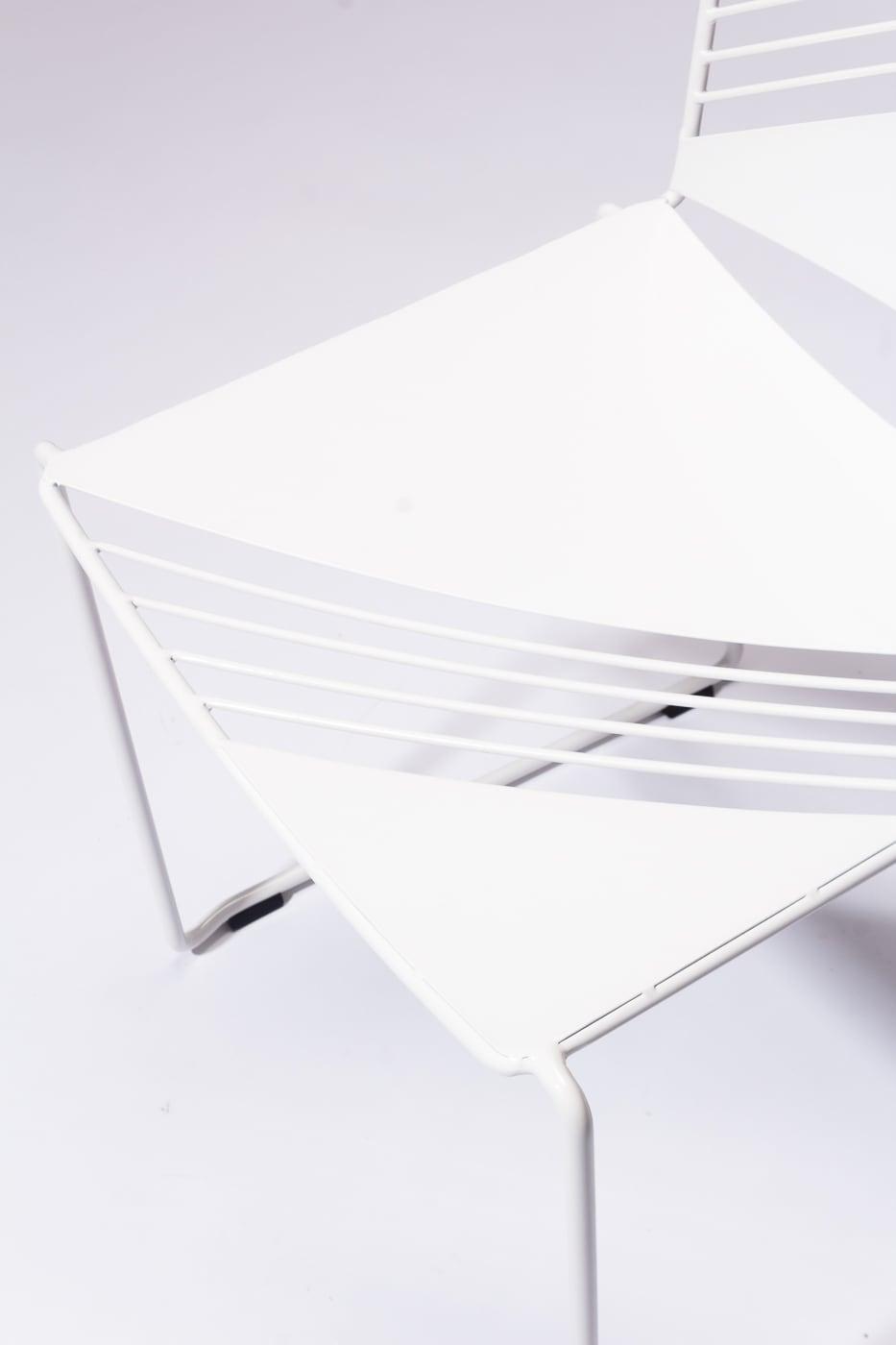 ch681 fly white enamel chair prop
