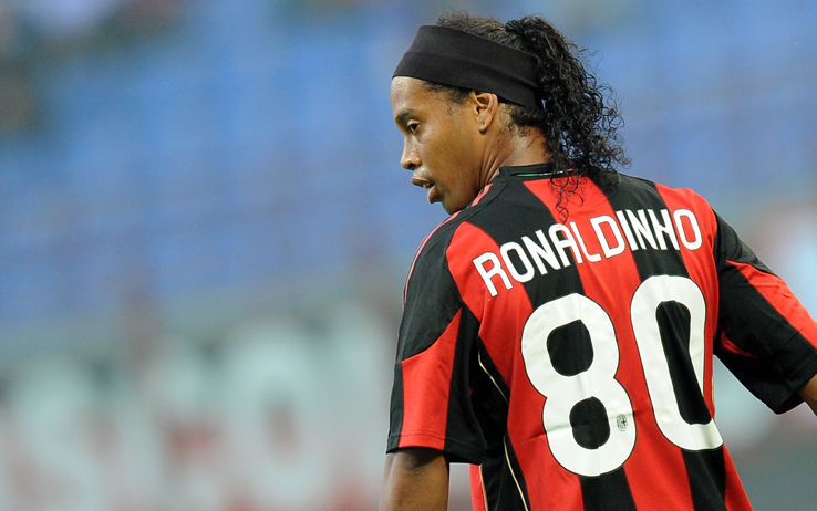 Ronaldinho on Milan, Champions, Berlusconi, the derby and Ancelotti | AC Milan News