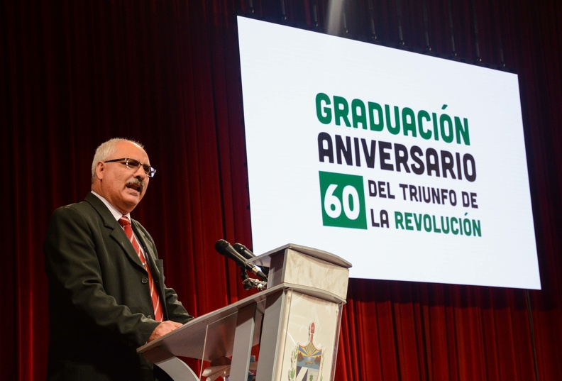 0718-graduacion-medicos2.jpg