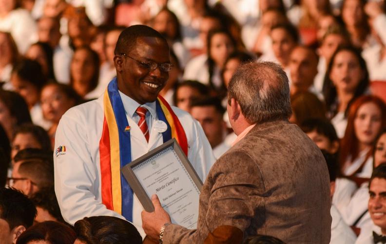 0718-graduacion-medicos6.jpg