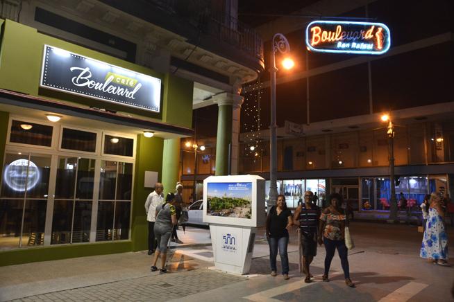 1112-Boulevard de San Rafael-2.JPG