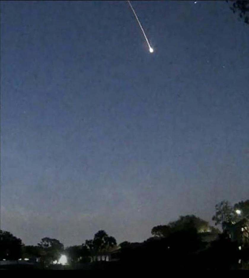 Meteorito en oriente. Foto: @Alex-2011/ Twitter.
