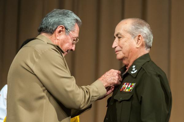 https://i1.wp.com/www.acn.cu/images/articulos/Cuba/raul-acto-angola.jpg
