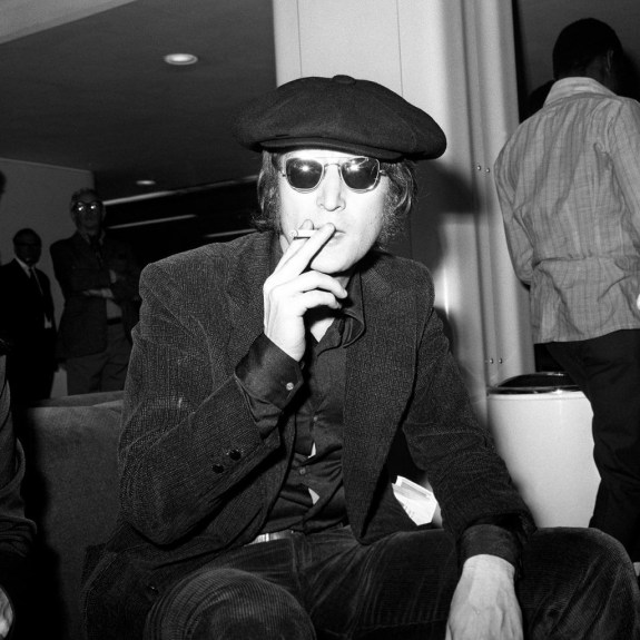 John Lennon - Heathrow Airport - London - 1971