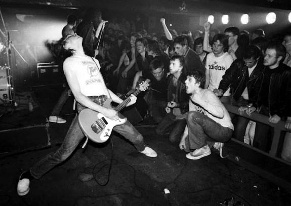 Ramones_by_ian_dickson_1977