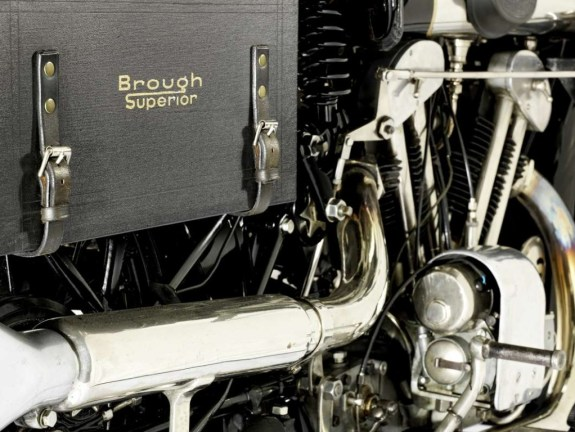 brough-superior-vincent-black-shadow-for-auction-0@2x