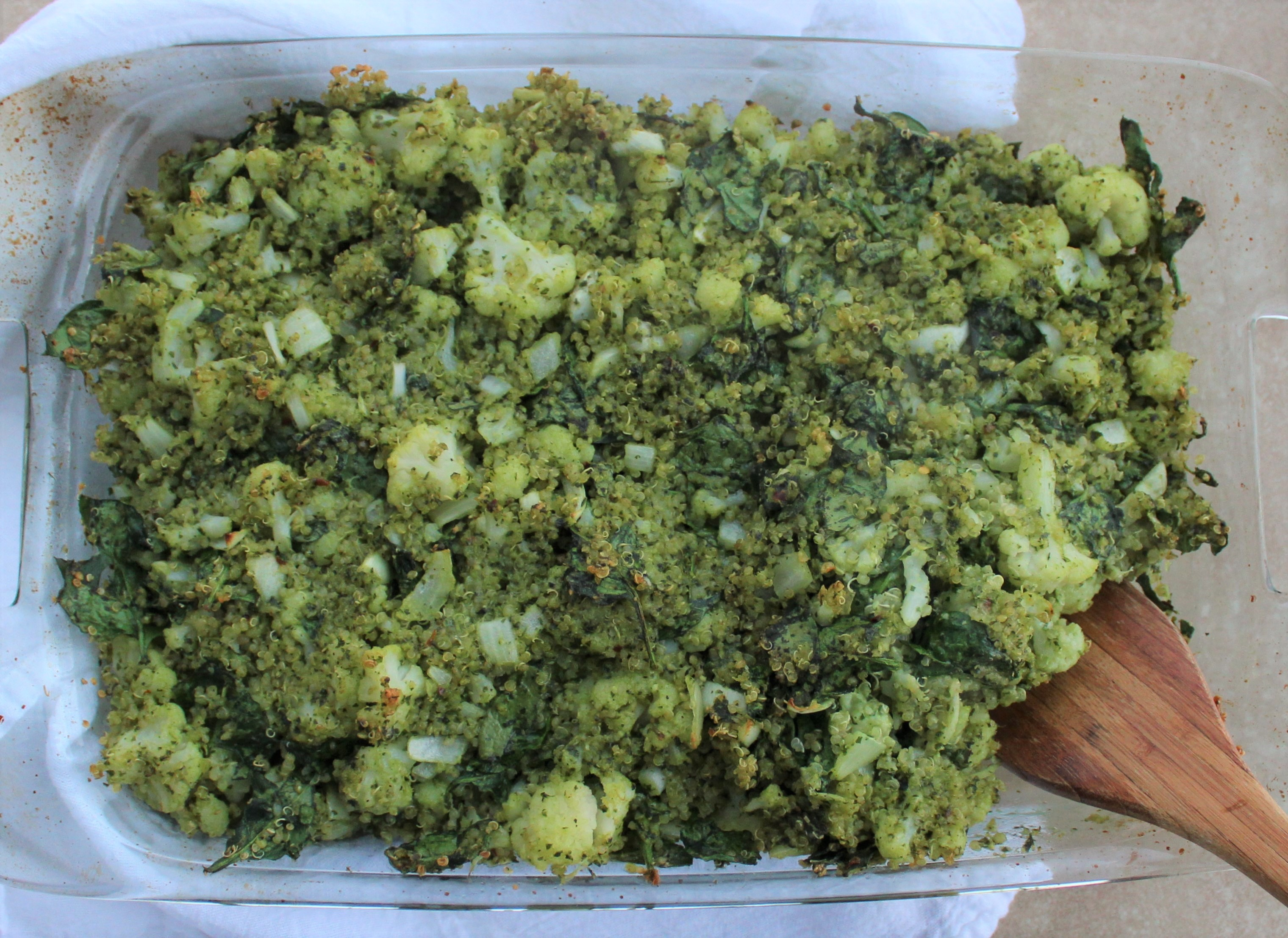 Cheesy Cauliflower Spinach Quinoa Pesto Bake 4