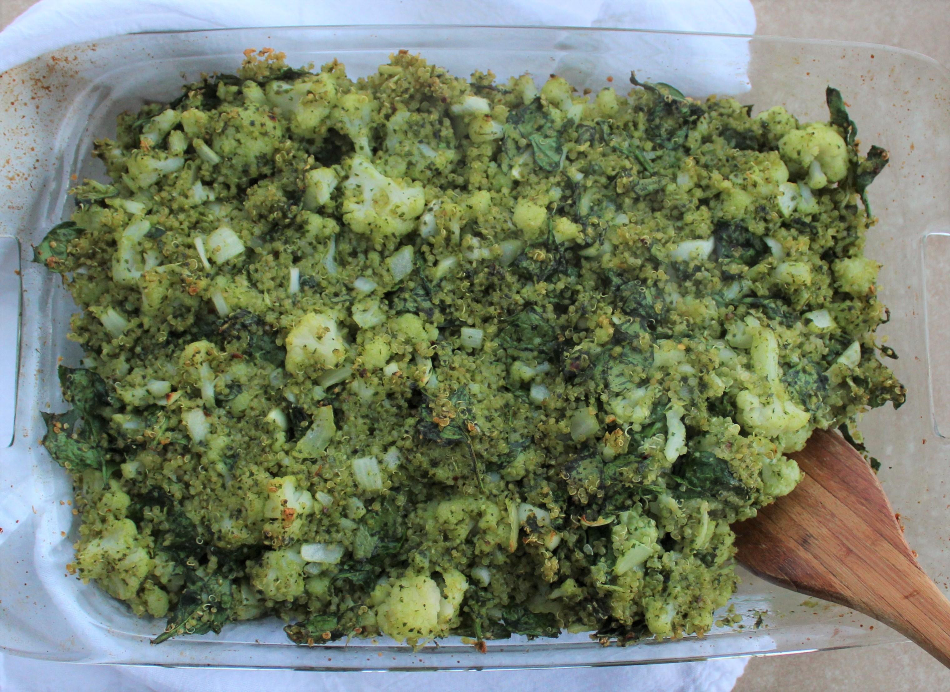 Cheesy Cauliflower Spinach Quinoa Pesto Bake 4