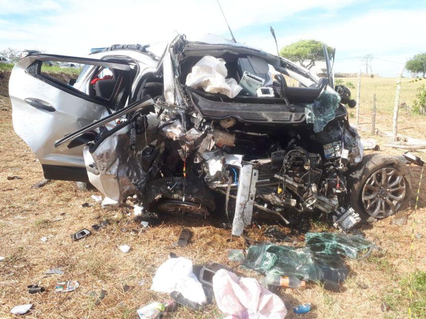 Quatro pessoas morrem em acidente na BR-116 Norte; criança sai ilesa