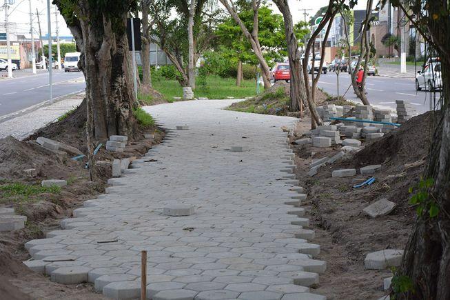 Iniciada construção do passeio central na Getúlio Vargas