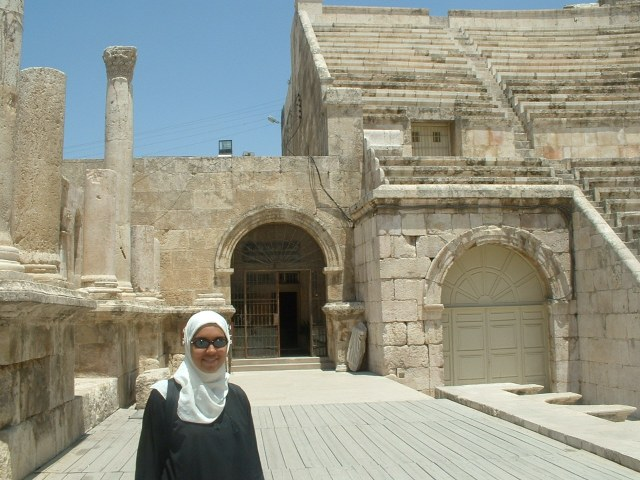 Sarah Islam at the Roman Theater in Amman, 2016, photo courtesy of S. Islam.