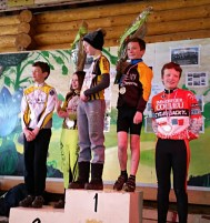 Mathys sur le podium - Courson - 9 avril 2015