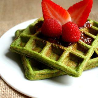 Waffles Saudáveis e Proteicos com Espinafre
