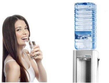 Erogatore acqua a boccioni