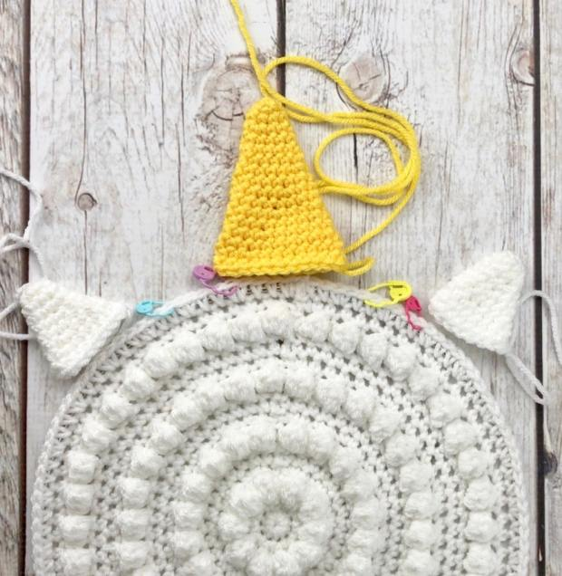 How to Crochet an Epic Unicorn Wall Hanging - FREE CROCHET PATTERN #crochetunicorn