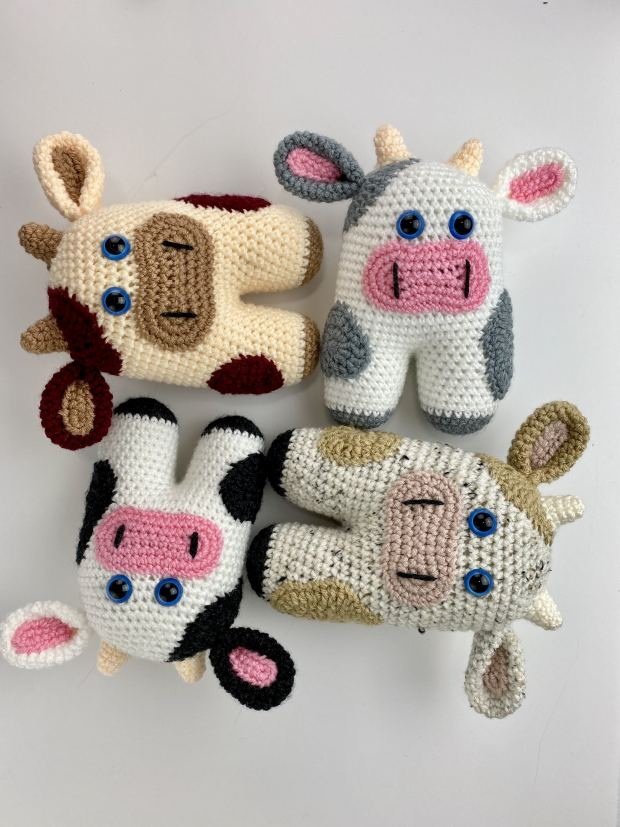 Follow this beginner crochet cow pattern and learn how to make the easiest amigurumi cow ever! Complete with a full video tutorial.