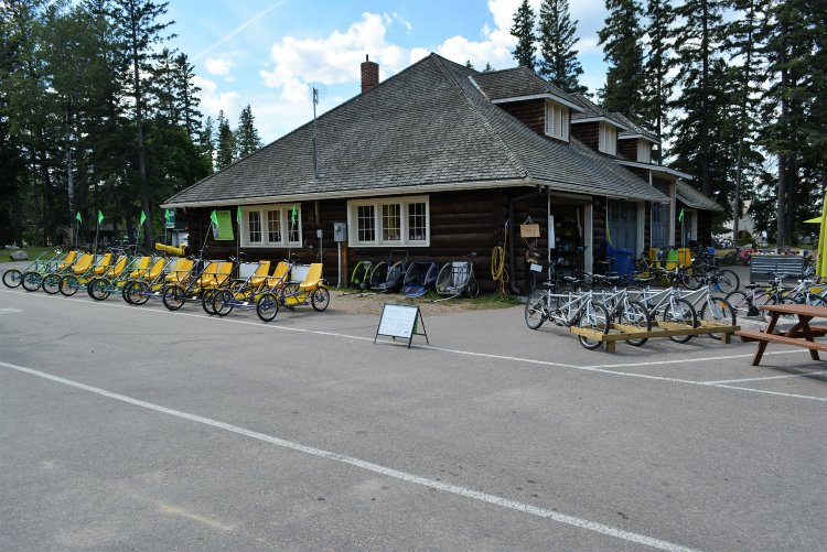 bike-rental-spot-in-waskesiu