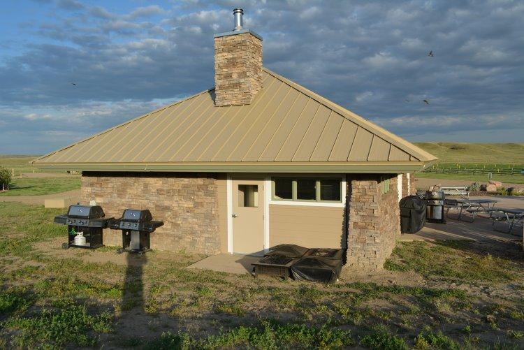 cookhouse-shelter-at-grasslands-national-park
