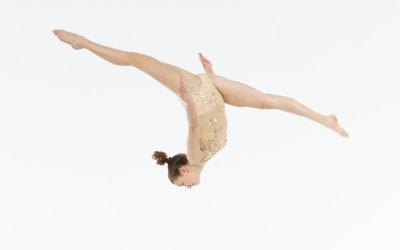 """Why We Don't Let Students Skip Ahead to the """"Big Tricks"""" In Acro Class"""
