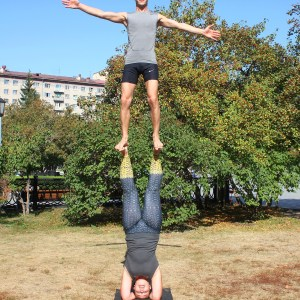 Foot-to-Foot Headstand