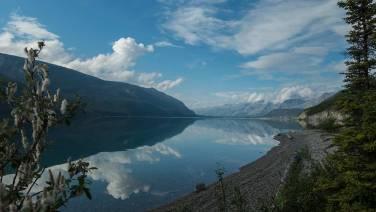 Muncho Lake: Herrlicher Platz um ein paar Tage auszuspannen.