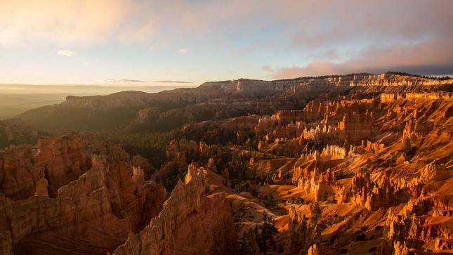 Malerischer Sonnenaufgang im Bryce Canyon.