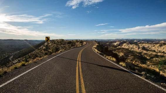 UT12: links und rechts der Strasse gehts runter. Eindrücklich zu fahren!