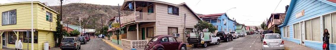 Santa Rosalía, eine alte Kolonialstadt mit engen Gassen und farbigen Häusern gefällt uns sehr gut.