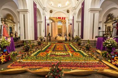 Gemüse satt in der Kirche.