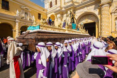 Start der Prozession bei der Kirche.