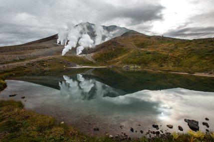 Im Zentrum von Hokkaido steht ein riesiger, teilweise noch aktiver Vulkan.