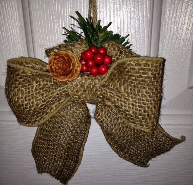 how to make a burlap bow ornament