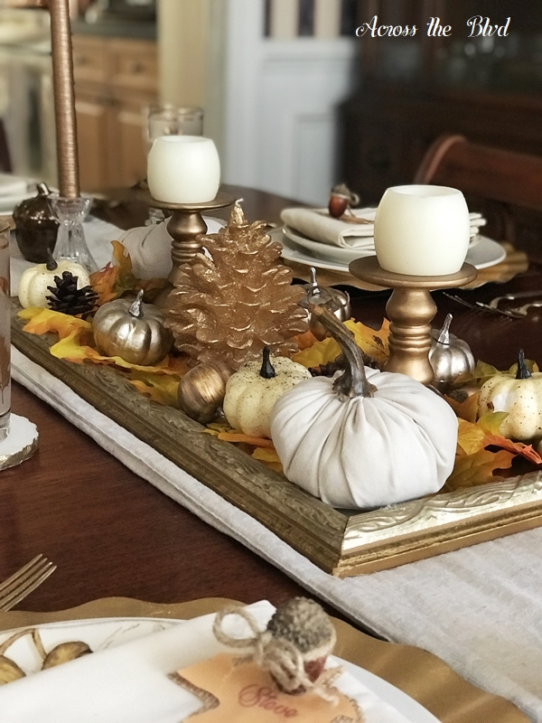 Thanksgiving Table Setting With DIY Place Cards centerpiece